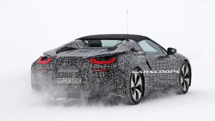BMW i8 Spyder Atap Terbuka