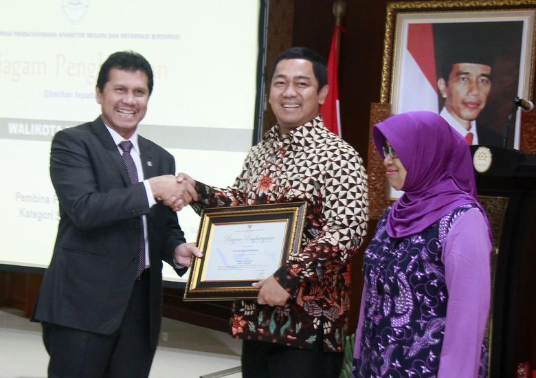 Terapkan Konsep SMART, Wali Kota Semarang Jadi Kepala Daerah Terbaik