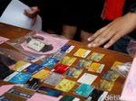 Polisi Tangkap 2 WNA Pemalsu Kartu ATM