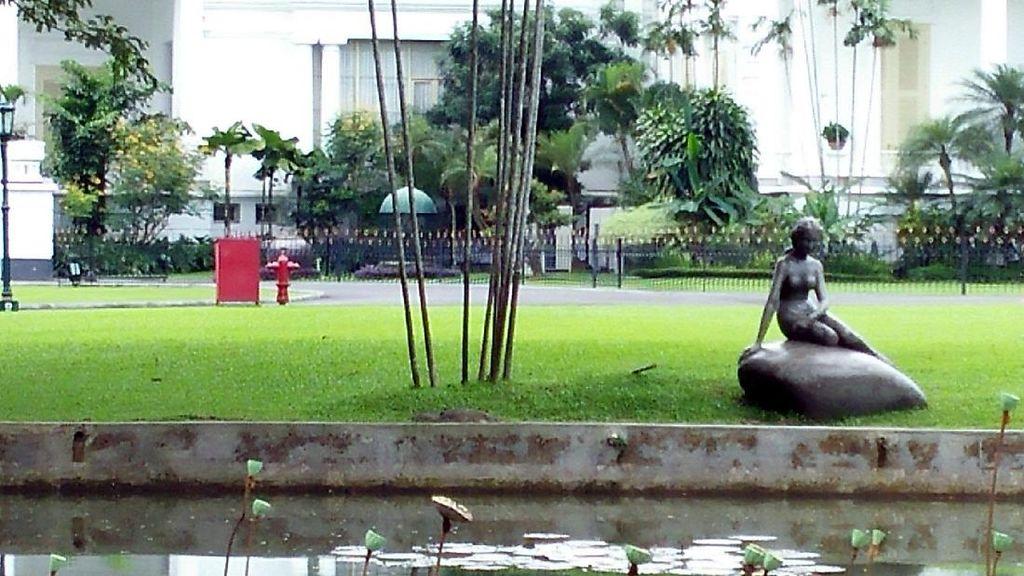 Kisah Patung Bugil Istana Bogor yang Ditutup Pohon Saat Raja Salman Datang