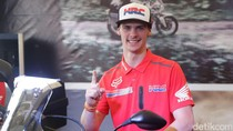 Ramahnya Tim Gajser Saat Diserbu Pecinta Motocross Pangkalpinang