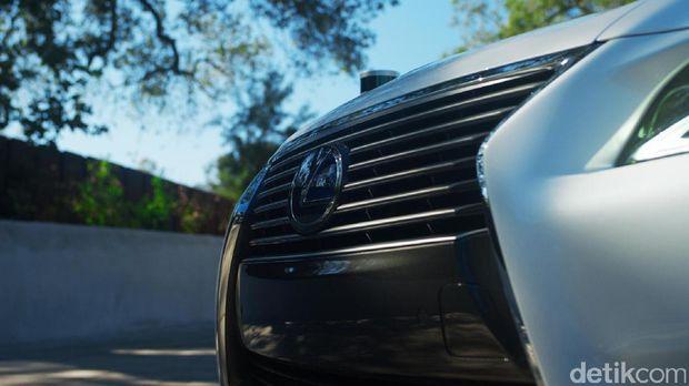 Toyota Perlihatkan Mobil Tanpa Sopir Pertama