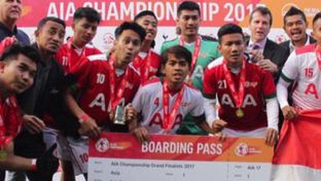 Bambang Pamungkas dan Firman Utina Bawa Tim AIA Indonesia Melaju ke White Hart Lane
