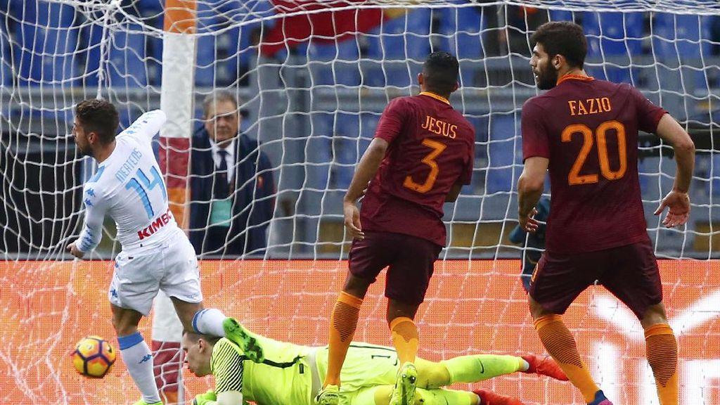 Napoli Kalahkan Roma 2-1 di Olimpico