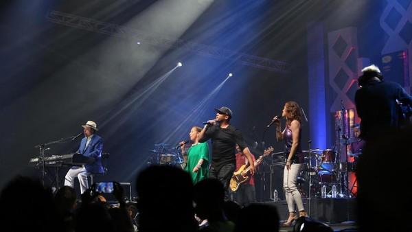 Favorit! Sergio Mendes Ajak Penonton BNI Java Jazz 2017 Menari