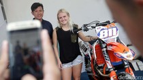Pebalap Wanita WMX GP Jadi Idola