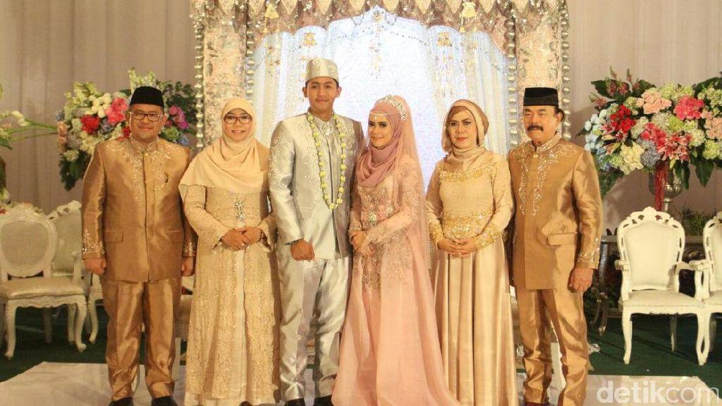 Gubernur Aher Gelar Pernikahan Anak Pertama