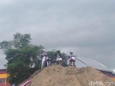 Aksi Freestyler Semarakkan Ajang Indo MXGP
