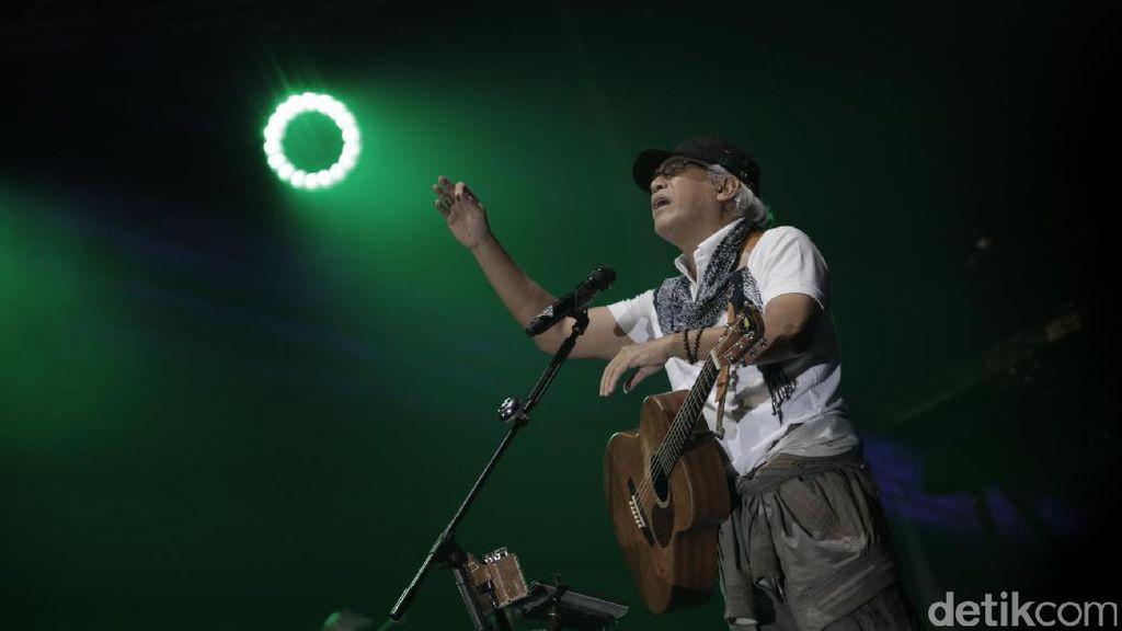 Iwan Fals, Sang Legenda yang Penuh Tenaga di BNI Java Jazz 2017