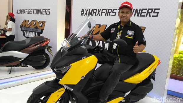 Yamaha Buka Pabrik untuk Konsumen XMAX