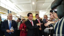Berkeliling Arena IORA, Jokowi dan PM Turnbull Cicipi Air Kelapa