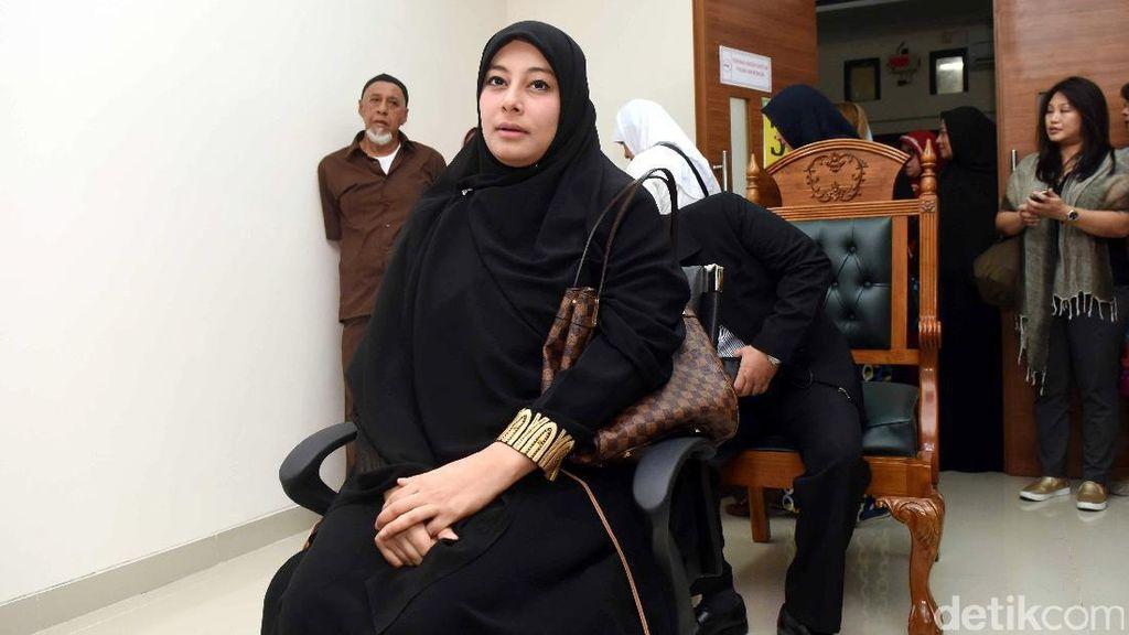Putri Aisyah Aminah, Istri Pertama Ustad Al Habsyi Dilaporkan ke Polda