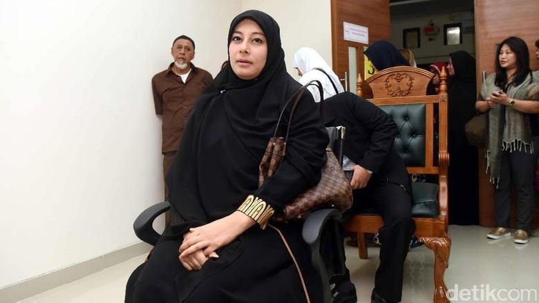 Putri Aisyah Tidak Bisa Bila Ustad Al Habsyi Tetap Poligami