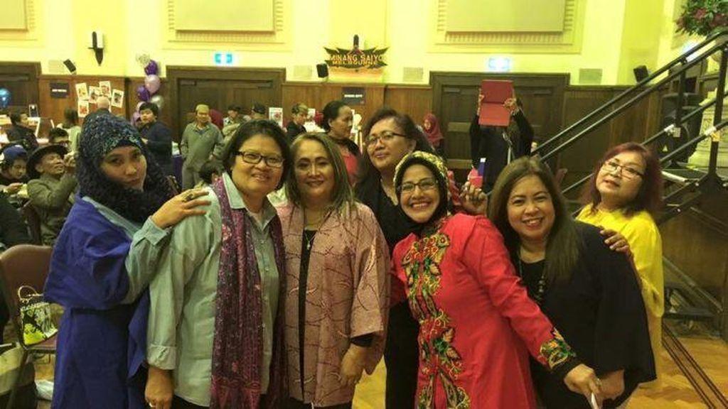 Nika Suwarsih Promosikan Indonesia di Australia Lewat Perwira