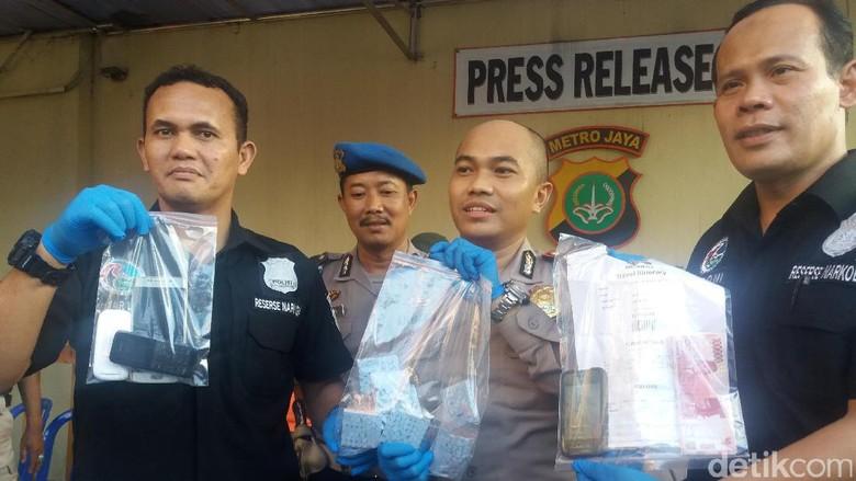 Polisi Sita 490 Pil Ekstasi dari Jaringan Jakarta-Bali