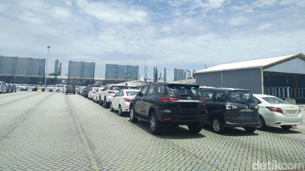 Melihat Proses Pengiriman Mobil Toyota ke Luar Negeri