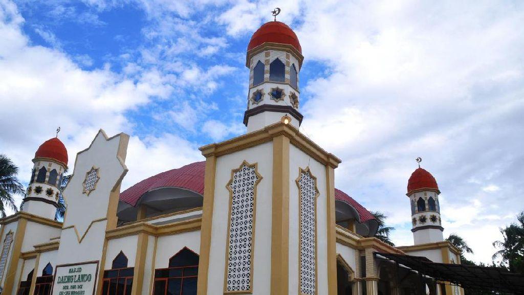 Potret Masjid Cantik Perlambang Cinta & Kenangan di Sigi, Sulteng