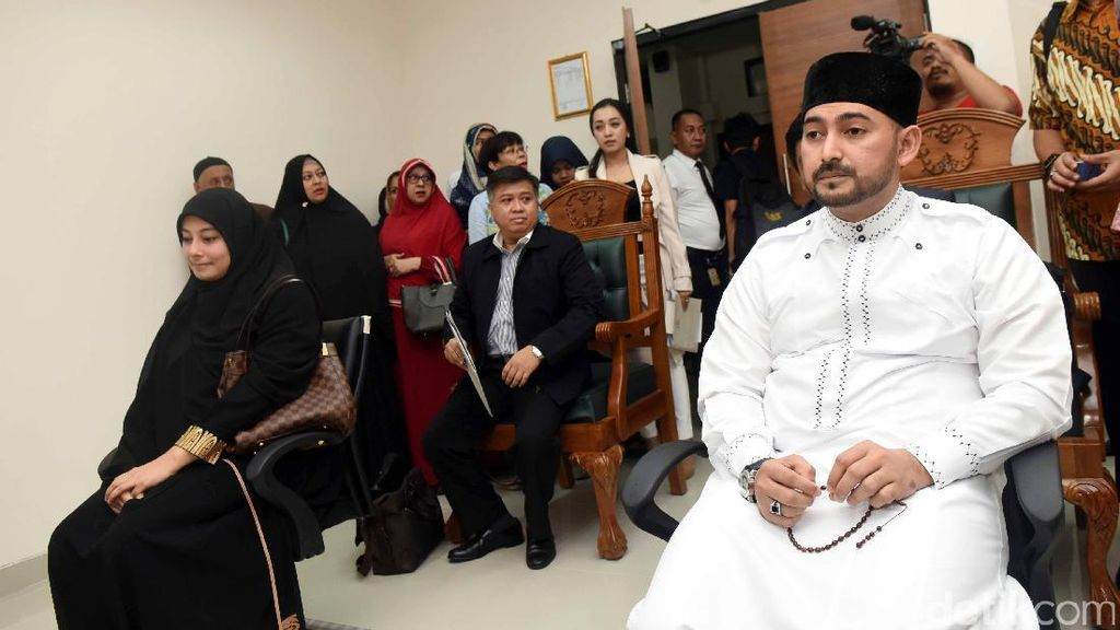 Kenapa Ustad Al Habsyi Mangkir Sidang Lagi?
