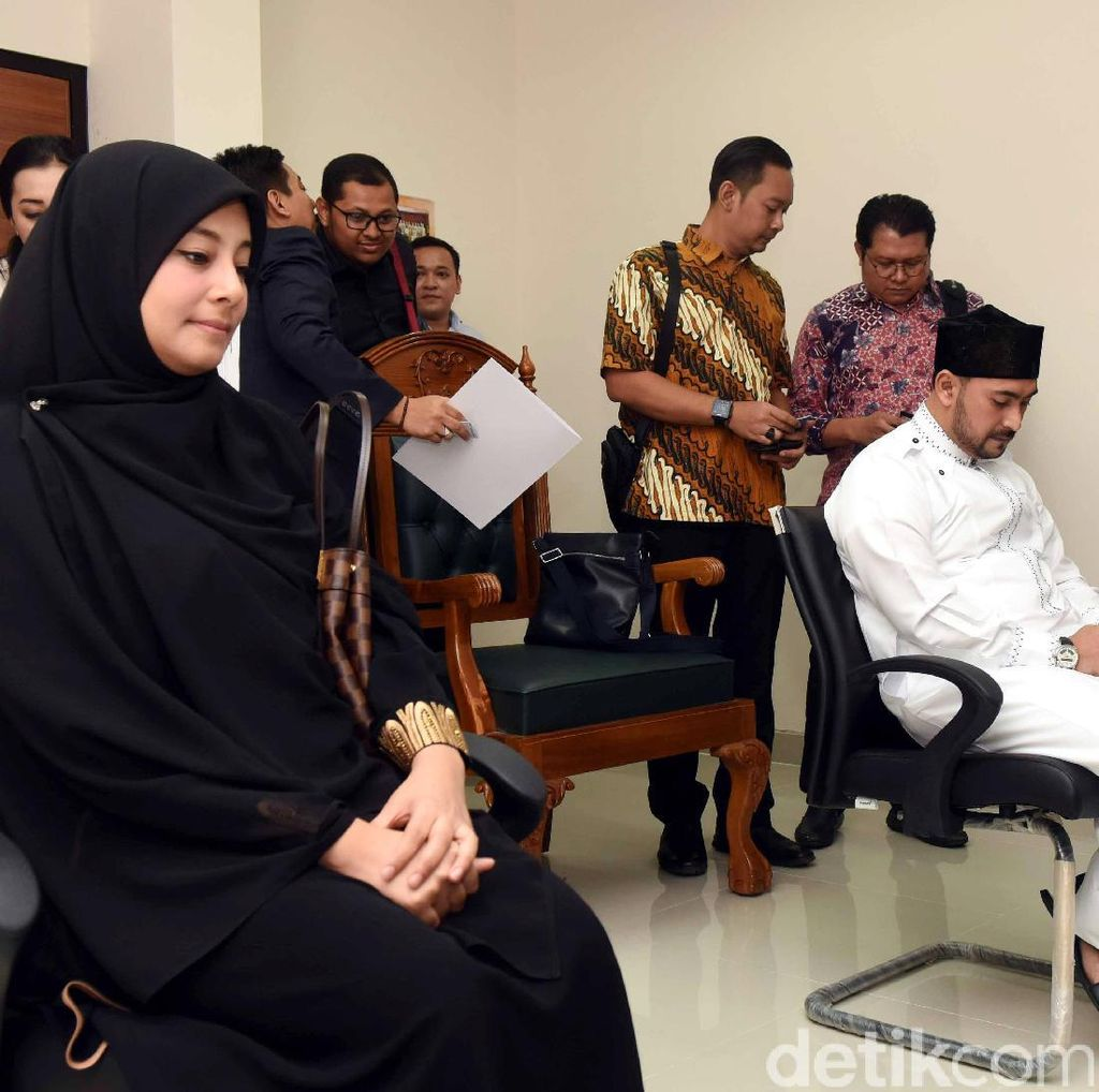 Putri Aisyah Kecewa Ustad Al Habsyi Belum Beri Jawaban Gugatan Cerai