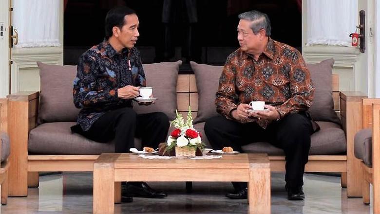 Momen Jokowi dan SBY Ngeteh Bareng di Istana