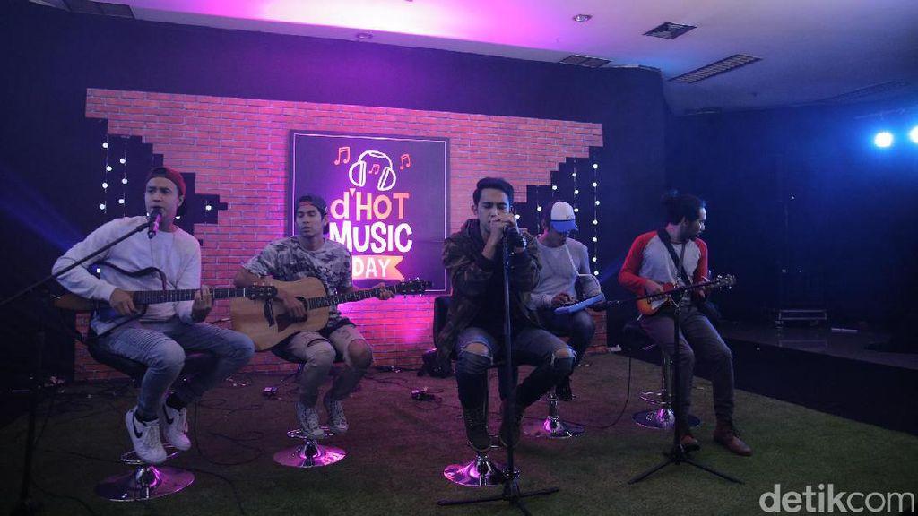 Kemeriahan dHOT Music Day, Diana Limbong Diceraikan Sandy Tumiwa