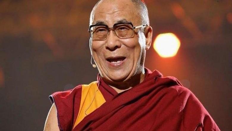 Dalai Lama Minta Suu Kyi Cari Solusi Damai Akhiri Krisis Rohingya