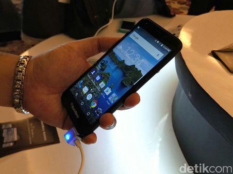 BlackBerry Aurora Meluncur, Menkominfo: bak CLBK