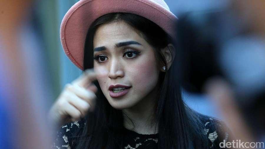 Happy Day! Jessica Iskandar Semringah Banget