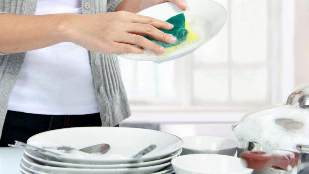 8 Kesalahan Ini Sering Dilakukan Saat Bersihkan Peralatan Dapur