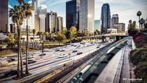 Aksi Kereta Secepat Pesawat Hyperloop Menembus Perkotaan