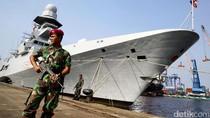 Kapal Perang Italia Merapat di Tanjung Priok