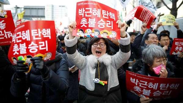 Warga Korsel Rayakan Pemakzulan Park Geun-Hye