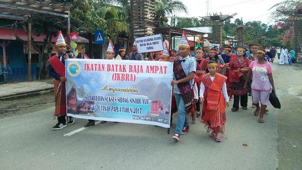 Meriah! Kehebohan Karnaval Budaya di Raja Ampat