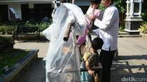 Kisah Pilu Manusia Gerobak yang Berjalan dari Lampung ke Purwakarta