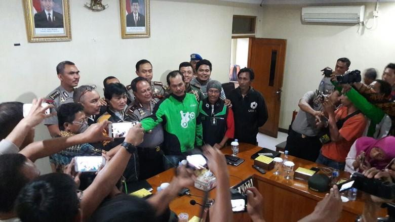 Ojek Online dan Pihak Angkot Tangerang Sepakat Berdamai