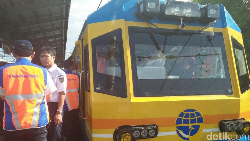 Naik Kereta Inspeksi, Ini yang Dilakukan Menhub dan Rini Soemarno