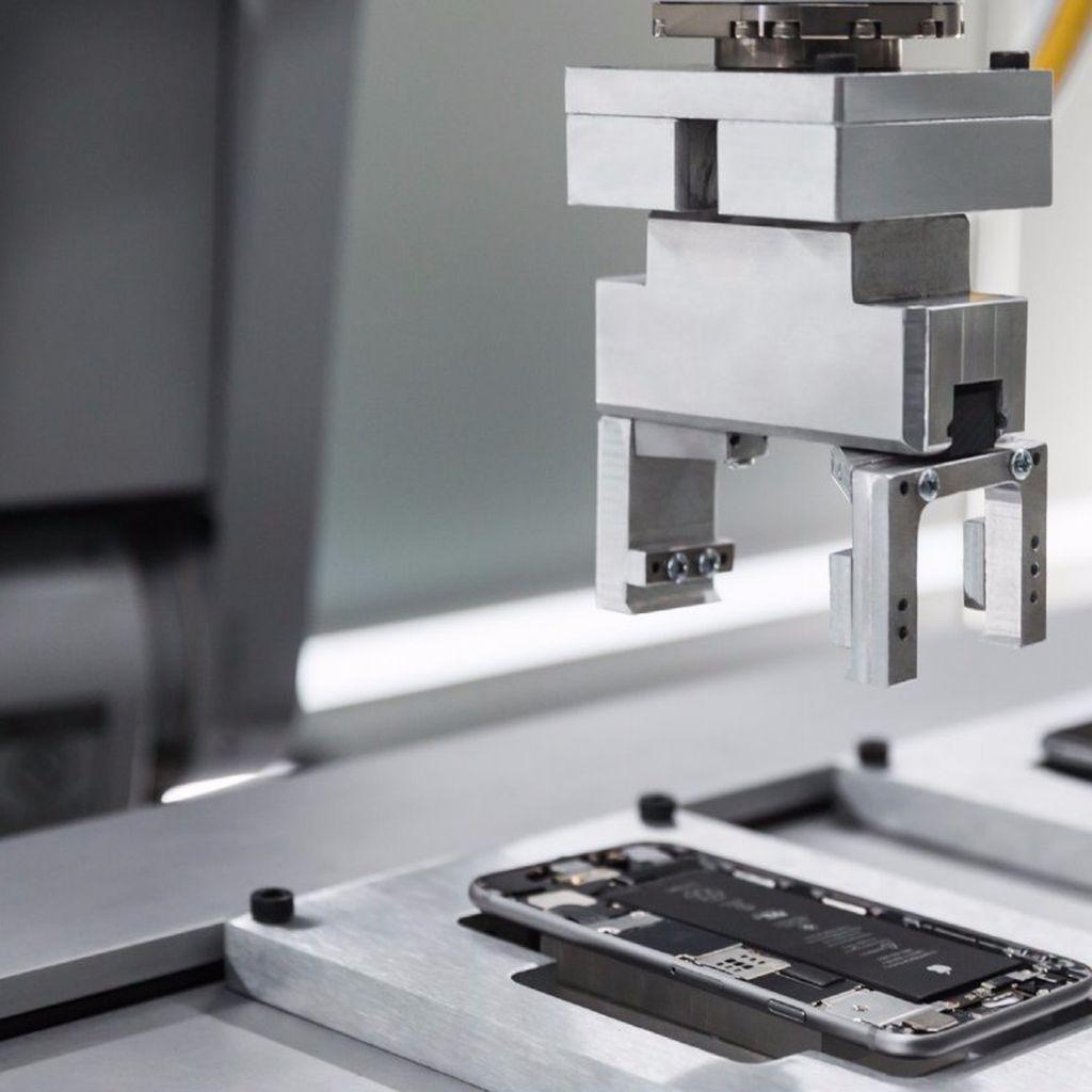 Foxconn Ragu Mau Bikin Pabrik iPhone di AS
