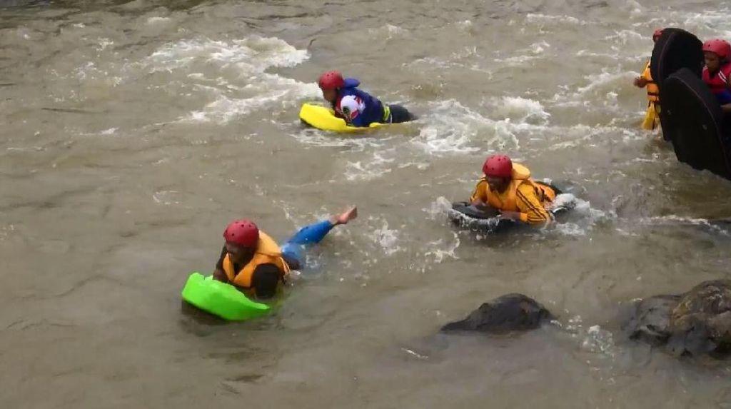 Seperti Apa Serunya River Boarding di Garut?