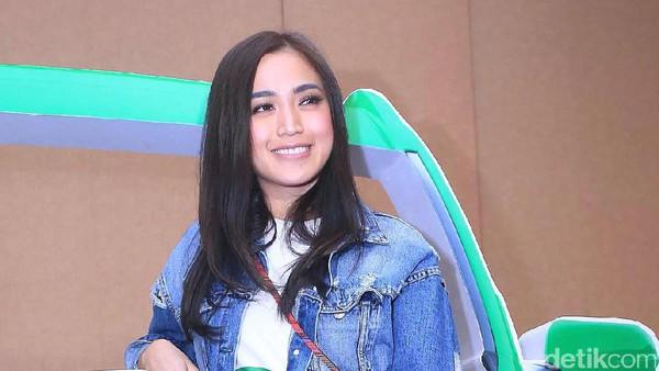Isu Skandal Raffi-Ayu, Jessica Iskandar Kini Hati-hati Berkomentar