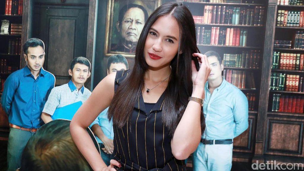 Posting Objek Bugil, Pevita Cuma Kagum Lukisan Soekarno