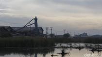 Warga Keluhkan Bau Limbah Pabrik yang Menyengat di Sapan Gedebage