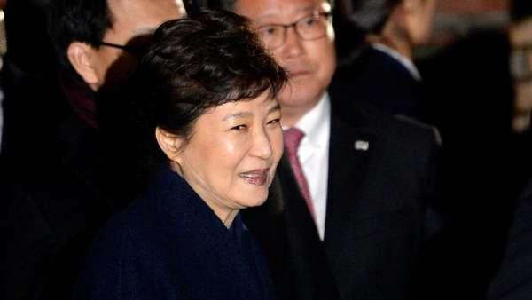 Tinggalkan 9 Anjing di Istana Kepresidenan, Park Geun-Hye Digugat