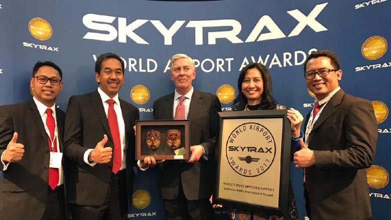 Foto: Penganugerahaan World Most Improved Airport 2017 untuk Bandara Soekarno Hatta versi Skytrax (dok Kemenpar)