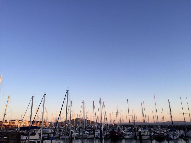 Bila waktu yang tersedia di San Francisco, Amerika Serikat hanya sekitar 6 jam, maka traveler harus berhitung dengan tepat. Carilah penginapan di wilayah Fishermans Wharf dan memulai harimu dengan berolah raga sekitar pukul 06.00 di pelabuhan (Maikel/detikTravel)
