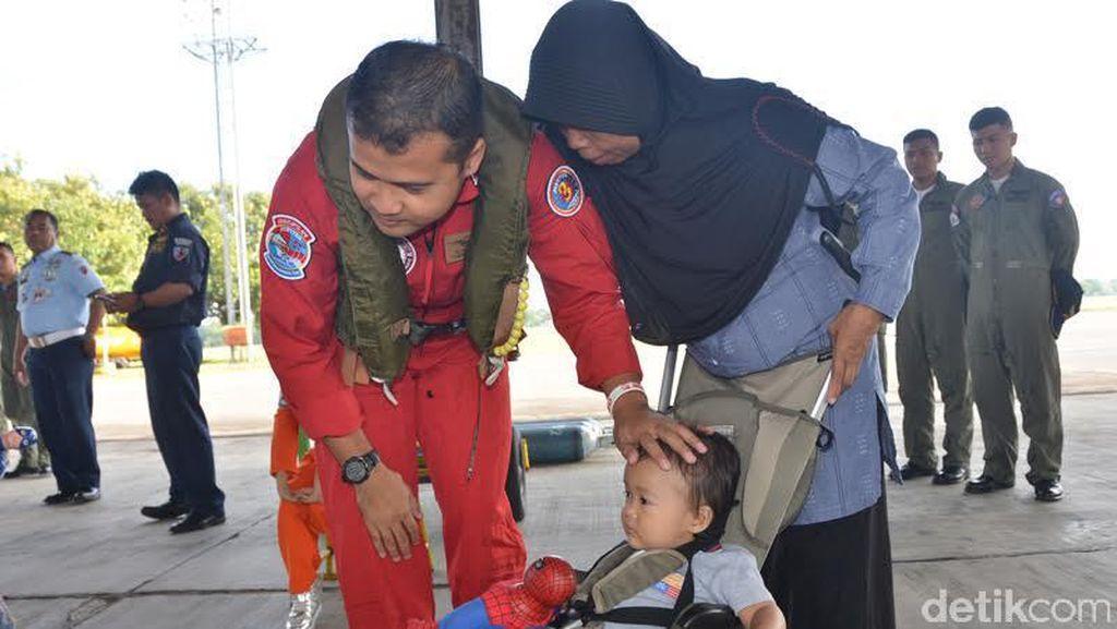 Saat Tim Aerobatik TNI AU Pamitan Sebelum ke Langkawi, Malaysia