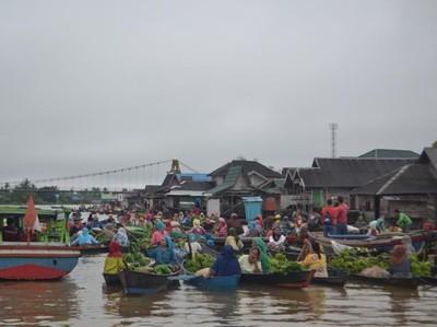 Yang Unik di Kalimantan Selatan, Pasar Terapung Lok Baintan