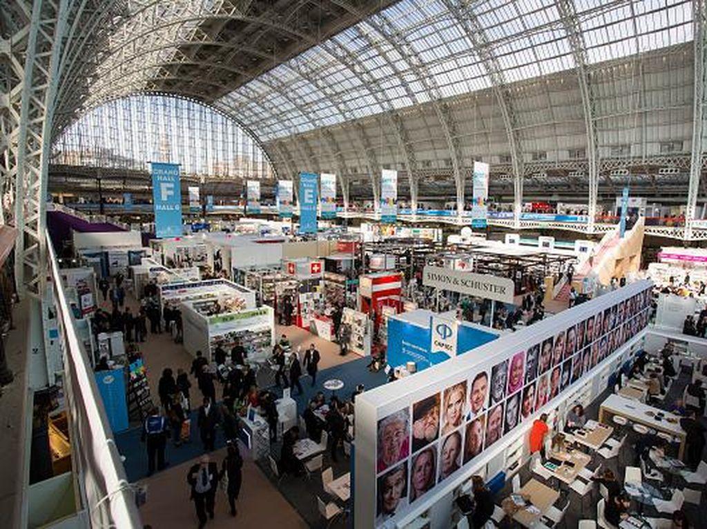 Hak Cipta Novel Peter Carey Ditawar Tertinggi di London Book Fair 2017