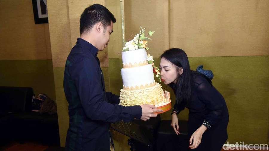 Bahagianya Kezia Karamoy Dapat Kejutan dari Calon Suami
