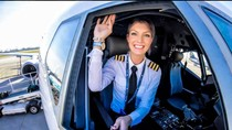 Intip Kehidupan Pilot Cantik yang Jadi Selebgram