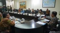 JK Pimpin Doa untuk KH Hasyim Muzadi Sebelum Rapat Kerja